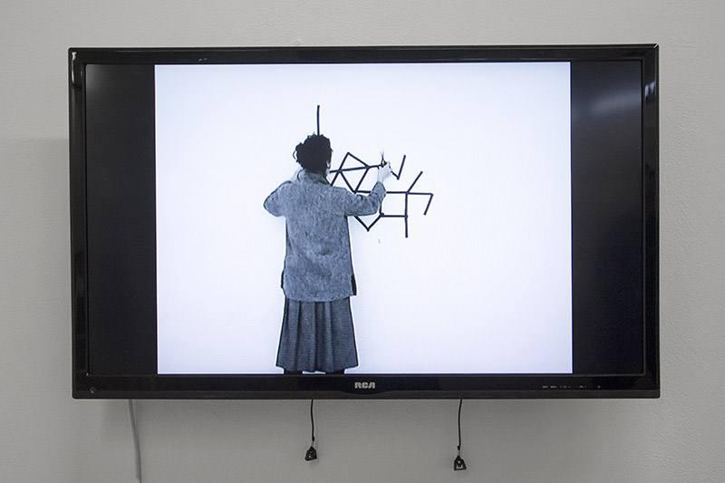 21-Juodosios-rozes-Artnewslt-2015